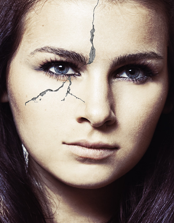 How to Create a Realistic Crack Effect on a Face